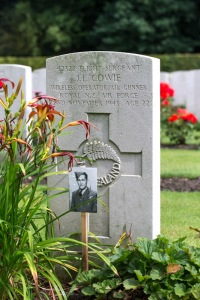 nzwargraves.org.nz/casualties/james-lindis-cowie © New Zealand War Graves Project
