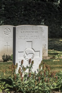 nzwargraves.org.nz/casualties/kevin-frederick-debenham © New Zealand War Graves Project