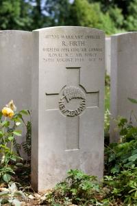 nzwargraves.org.nz/casualties/raymond-firth © New Zealand War Graves Project