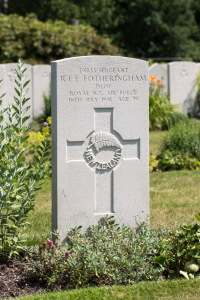 nzwargraves.org.nz/casualties/robert-ewen-ernest-fotheringham © New Zealand War Graves Project