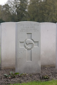 nzwargraves.org.nz/casualties/lawrence-beresford-hamilton-hope © New Zealand War Graves Project