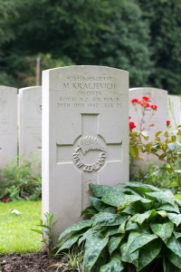 nzwargraves.org.nz/casualties/mark-kraljevich © New Zealand War Graves Project