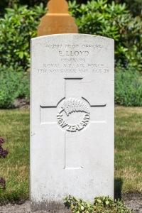 nzwargraves.org.nz/casualties/eric-lloyd © New Zealand War Graves Project