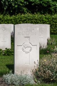 nzwargraves.org.nz/casualties/peter-desmond-lowther © New Zealand War Graves Project