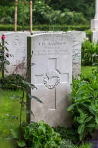 nzwargraves.org.nz/casualties/lewis-harry-parkinson © New Zealand War Graves Project