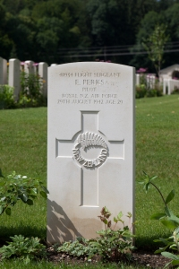 nzwargraves.org.nz/casualties/eric-perks © New Zealand War Graves Project