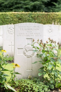 nzwargraves.org.nz/casualties/trevor-bernard-robertson © New Zealand War Graves Project