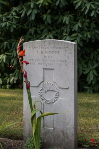 nzwargraves.org.nz/casualties/gerald-brian-roche © New Zealand War Graves Project