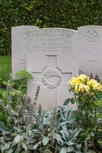 nzwargraves.org.nz/casualties/russell-james-scott © New Zealand War Graves Project