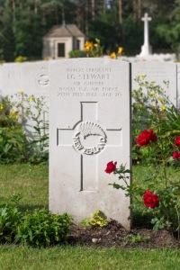 nzwargraves.org.nz/casualties/leslie-ian-stewart © New Zealand War Graves Project