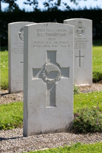 nzwargraves.org.nz/casualties/desmond-lewis-thompson © New Zealand War Graves Project
