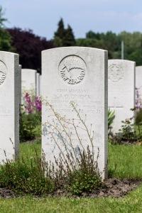 nzwargraves.org.nz/casualties/douglas-noel-tonkin © New Zealand War Graves Project