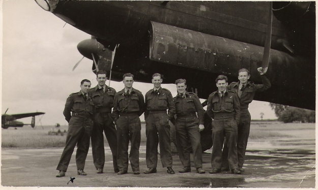 RW Birch crew 75 Squadron photo 1 1