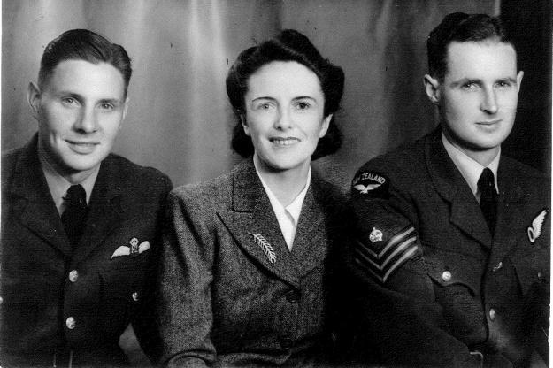 Jim-and-Ewen-Elmslie-with-DorothyMcDonald