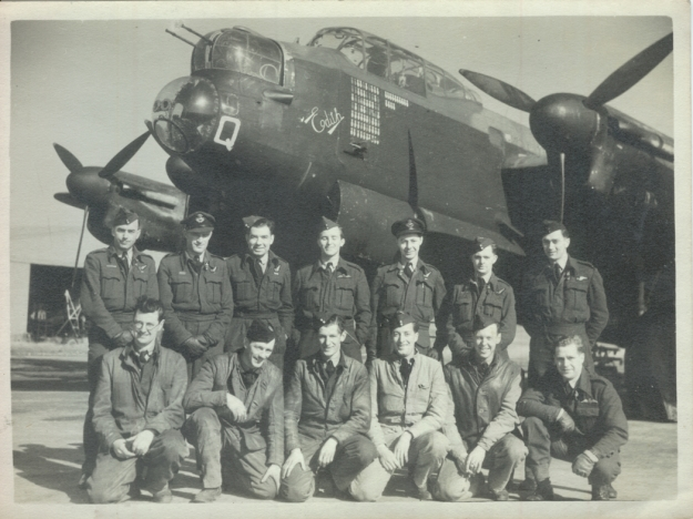 218 SQDN Air Crew and Engineers Chedburgh 1945