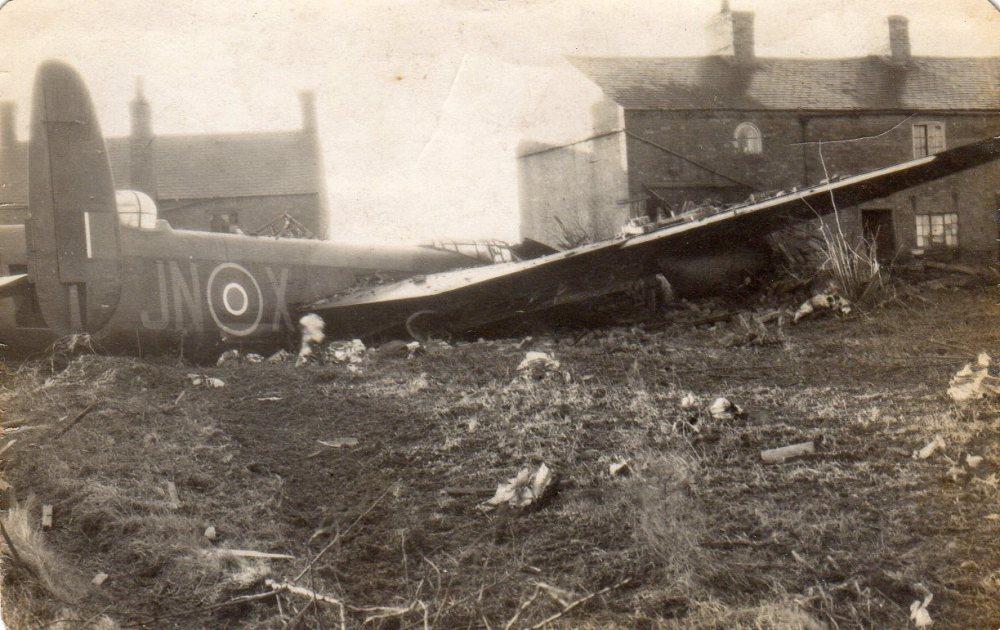 Arthur George Smith, Mid Upper Gunner - Crawford crew, 1944 - 1945 (3/3)