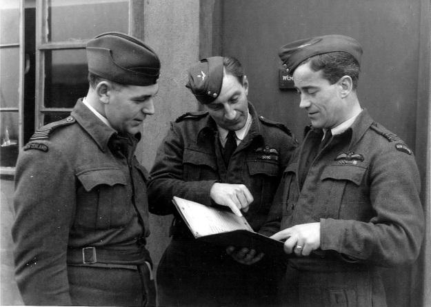 ABCFlightCommanders-late-1944-RonBaker