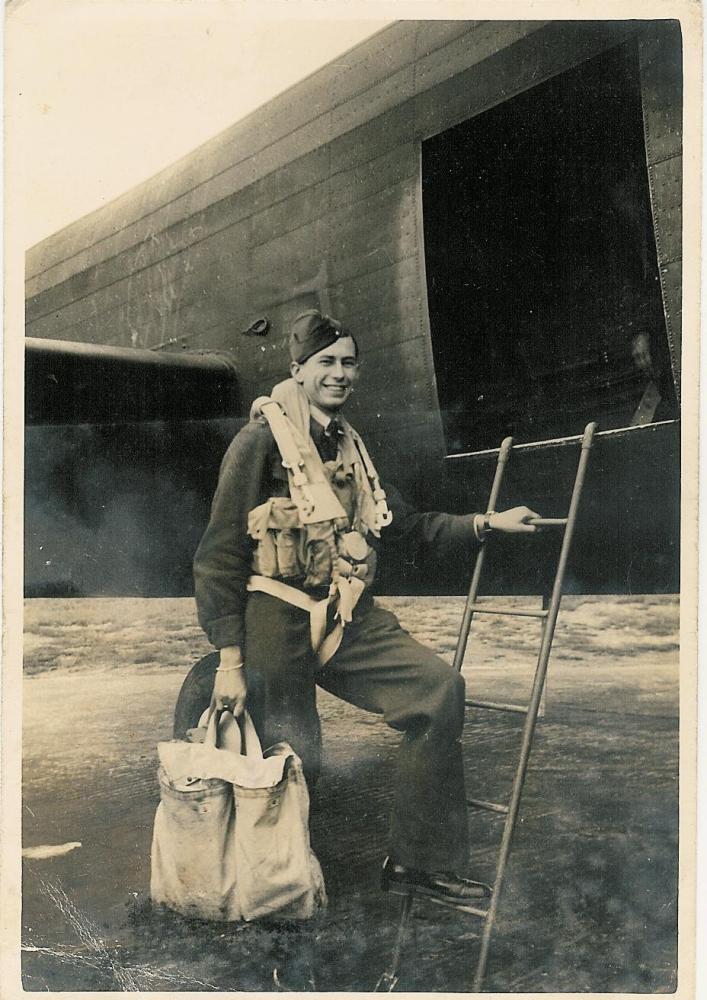 Reginald Charles Weeden, Navigator - Ford crew, 1944 (2/6)
