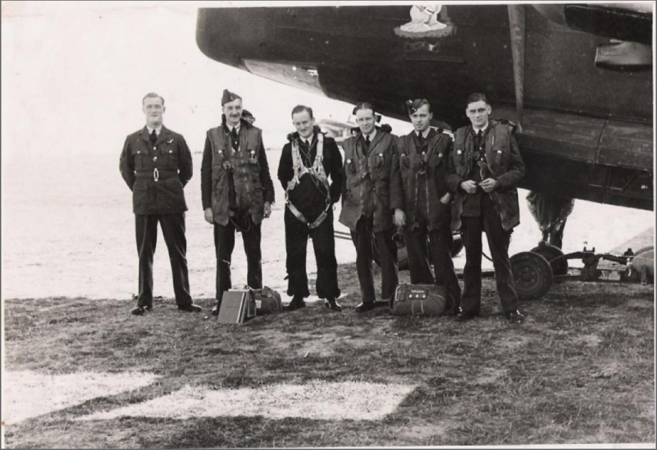 BP McNamara crew Brian 4th from left aircraft