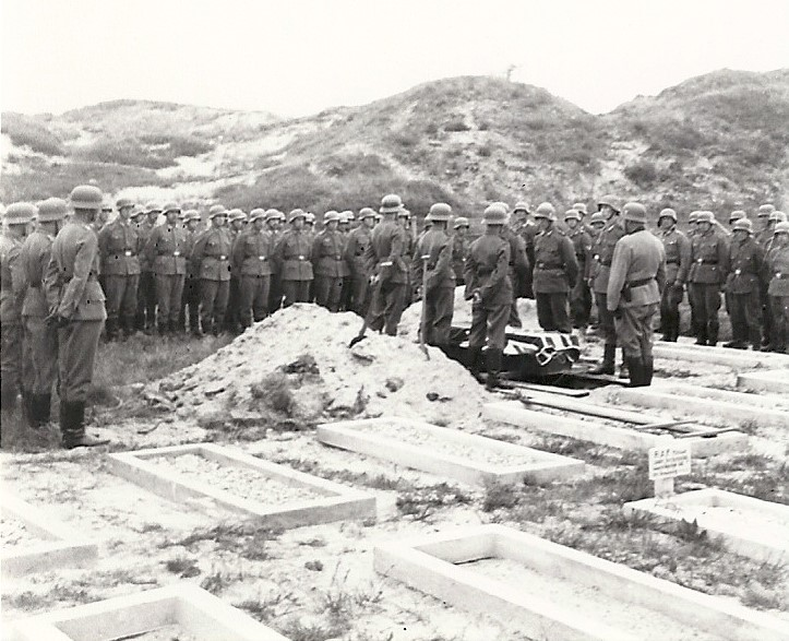funeral Young grave 84 and an unknown sergeant buriel date 220842