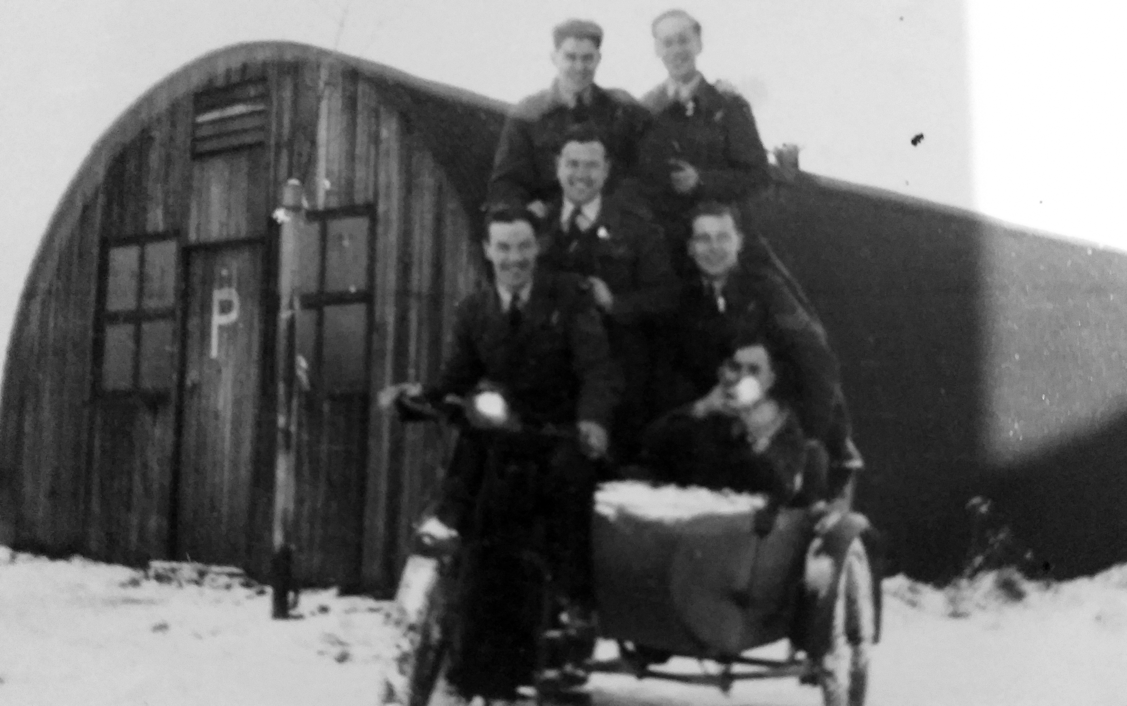 Evenden crew hut Mepal early 1945croped and cont