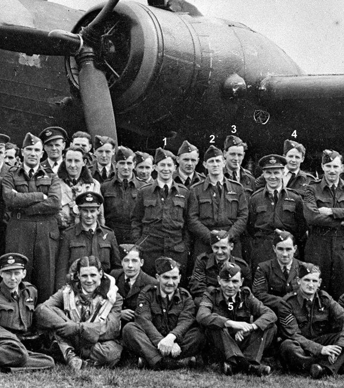SquadronGroupApril1942-crop[5]