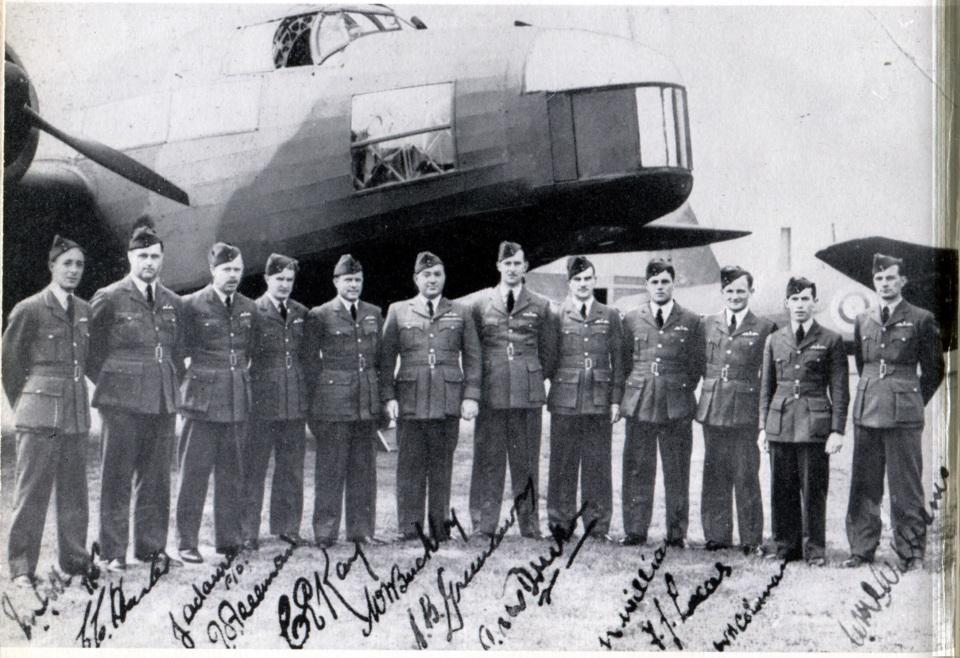 newzealandsquadron-1stmobileflt-officersaug1939